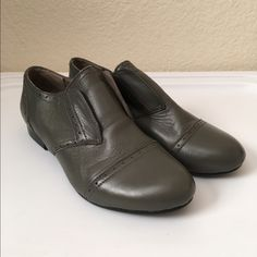 Levity Grey Leather Oxfords Levity Grey Leather Oxfords slip on. Size: 6 1/2 but run a little big. Will fit a size 7. 100% Leather. Worn only a couple of times. Levity Shoes Flats & Loafers