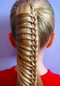 .Wow! That's a fresh way to liven up the ponytail