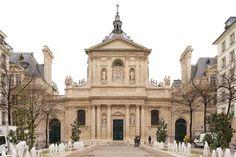 Chapelle de la Sorbonne - Located in the Latin Quarter, the Chapelle de la Sorbonne is in the same group of buildings as the famous Sorbonne University. Paris Nice, Paris 3, Monuments, Francia Paris, Tourist Office, French Architecture, Saint Michel, Paris Photos, Old Buildings