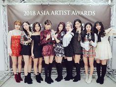 Twice ( : Selfies Part 547 Nayeon, Kpop Girl Groups, Korean Girl Groups, Kpop Girls, Twice Dahyun, Tzuyu Twice, New Girl, Your Girl, Twice Jungyeon