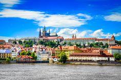 Wie wäre es mit einem Ausflug nach Prag, in die Hauptstadt Tschechiens? #City #Städtetrip #Kurzurlaub ©Martin MOLCAN - Fotolia