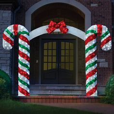 The Illuminated Candy Cane Archway - Hammacher Schlemmer I promise this is the way to START the holidays. Christmas Decorations Sale, Gingerbread Christmas Decor, Christmas Yard Art, Outside Decorations, Christmas Candy, Christmas Crafts, Holiday Decor, Outdoor Candy Cane Decorations, Xmas