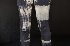 Leggins Batik asymmetrisch, schwarz-beige-grau von Regenbogenschwarz auf DaWanda.com