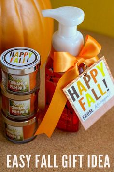 I love to give gifts and treats to friends and neighbors but sometimes my good intentions fall victim to my busy schedule. These 10 Fall Gifts and treat ideas make gift gifting easy and fun Fall Teacher Gifts, Thanksgiving Teacher Gifts, Teacher Treats, Fall Gifts, Teacher Appreciation Gifts, Thanksgiving Diy, Employee Appreciation, Secret Pal Gifts, Fall Gift Baskets