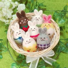 Happy Easter, Needle Felting, Easter Eggs, Diy Crafts, Christmas Ornaments, Holiday Decor, Party, Happy Easter Day, Fiesta Party