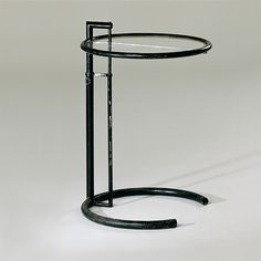 Designer: Eileen Gray Piece: E 1027 Design: 1927 Production: 1927 - 30 Manufacturer: Atelier Eileen Gray/Galerie Jean Désert, Paris Size: height cms, diameter 50 cms Material: varnished tubular steel, acrylic glass Vitra Design Museum, Eileen Gray, Cool Furniture, Furniture Design, Chair Design, Belgian Pearls, Modernisme, Inside Design, Tubular Steel