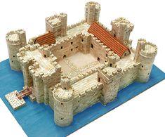 75 Castillo Bodiam, Model Castle, Castle Crafts, Bodiam Castle, Nottingham Castle, Castle Project, Wargaming Terrain, Castle House, Medieval Castle