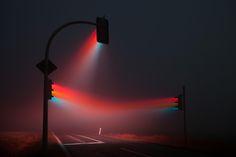 fiercefox: xirlfriend: iraffiruse: Long exposure, 3 traffic lights in the fog. Dopeeee.