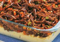 COMIDINHAS FÁCEIS: Carne bovina desfiada com legumes e purê de batata