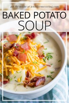 All the flavors of your favorite loaded baked potato together in a creamy and comforting soup.