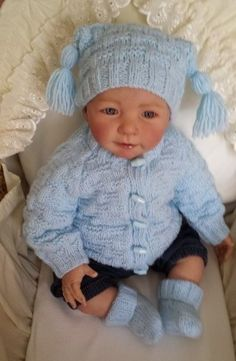 EJ   Cardigan hat and shoes knitting pattern by Patsbabydreamknits