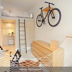 Schlafen, Kochen, Essen, Arbeiten auf nur 13 Quadratmetern Wohnfläche? Der polnische Designer…