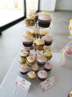 Cupcakes de fondant en Palma de Mallorca Cupcakes Fondant, Mini Cupcakes, Chocolate, Desserts, Food, Birthday Cake, Candy Stations, Palmas, Majorca