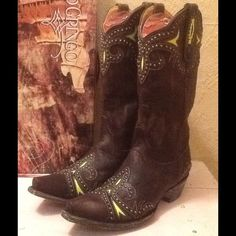 ❤️ SALE❤️️Old Gringo Taka Stud boot NEW IN BOX ❤️ WERE $295❤️Incredible craftsmanship!! Dark chocolate brown leather with yellow pop of color Fleur De Lis designs and awesome studding.  13 inch shaft height, 13.5 shaft circumference, 1 &3/4 heel height.  NEW in box. Old Gringo Shoes