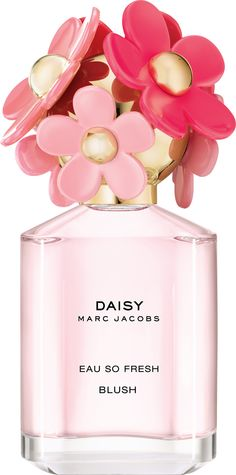 A perfect spring, summer scent, the Marc Jacobs Daisy Eau So Fresh Blush Eau de Toilette Spray was made for a fruity, floral fragrance lover!