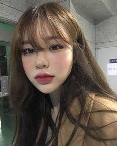 site model discovered by on We Heart It site model discovered by on We Heart It Cho Hanako ChoKiPockii korean ulzzang aestethic lv T a p i w a M a z i b u k o Cho Hanako T Korean Bangs Hairstyle, Hairstyles With Bangs, Girl Hairstyles, Ulzzang Hairstyle, Korean Hairstyles, Korean Natural Makeup, Korean Makeup Look, Korean Beauty, Mode Ulzzang