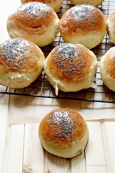 Hamburger, Food, Breads, Polish, Recipes, Meals, Vitreous Enamel, Hamburgers, Hoods