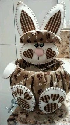 This is sooooo cute! I have soooo many ideas, I don't know where to even start♥♥♥ Basket Crafts, Bunny Crafts, Felt Crafts, Diy And Crafts, Craft Projects, Sewing Projects, Projects To Try, Spring Crafts, Holiday Crafts