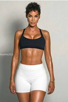 Nicole Murphy is 49, Mighty Fine, and #Fitnessgoals - Lisa a la mode