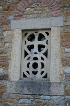 Santa María de Bendones detalle Ventana -Celosia