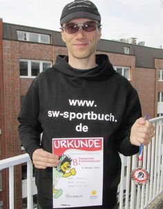Am 03. Oktober fand bei optimalen Wetterbedingungen der 8. Stadtwerkelauf Tornesch statt. Der Hamburger Sportbuchautor Stefan Wahle belegte auf der Strecke 5 Km Walking / Nordic-Walking im Gesamtfeld der Teilnehmer mit einer Zeit von 00:35:14 Stunden den 1. Platz.
