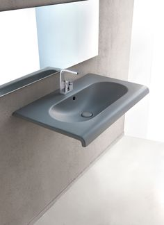 Lavabo sospeso collezione Fluid - design by Marco Piva for CIELO #washbasin #colour #bathroom #design #ceramicacielo