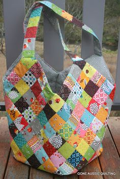 Gone Aussie Quilting: A Fancy Flea Market Bag?