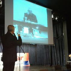Nueva entrega de #Clickear! Ya superamos las 4500 #netbooks en diferentes escuelas del partido de #Pergamino. Omar Pacini preside el acto y se suma a este acontecimiento, Adrián #Paenza mediante teleconferencia