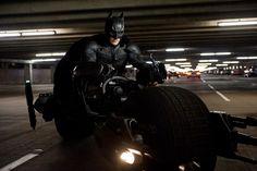 Pojazd Batmana znany z filmów Christophera Nolana, Mroczny Rycerz oraz Mroczny…