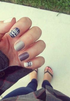 Comfy & Cozy Winter Inspired Nails.