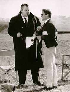 "Pier Paolo Pasolini and Orson Welles on the set of ""Ro.Go.Pa.G. - Laviamoci il cervello"" (1963). Country: Italy."