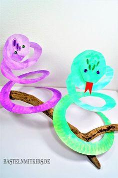 Schnelle Schlangen aus Papiertellern für den Fasching basteln. Basteln mit Kindern