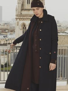 Busnel Depuis celebrates the meeting of classic chic with the fashionable woman of today. Classic Chic, Raincoat, Celebrities, Womens Fashion, Jackets, Image, Rain Jacket, Down Jackets, Celebs