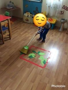 Sonbahar etkinlikleri They are activities that are perfect for a toddler. Find a great deal of fun t Motor Skills Activities, Toddler Learning Activities, Montessori Activities, Infant Activities, Kids Learning, Activities For Kids, Crafts For Kids, Gross Motor Skills, Montessori Toddler