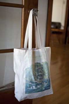 Photography on the final images is by Liz Daly, a San Francisco based photographer Hey guys! I'm back with another blank canvas tutorial. This is a series where we experiment with all kinds of fun ways to decorate a canvas tote. So far we've made a pool tote, neon polka dot tote, and book tote. …
