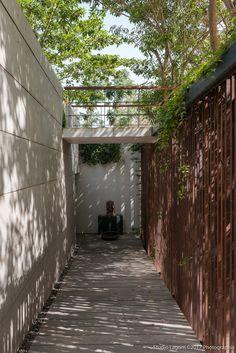 Gallery of Skewed House / Studio Lagom - 16