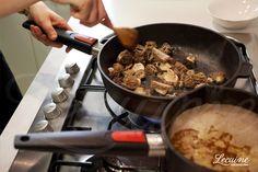 Cocinando con Esther probamos la sartén honda de woll: http://www.lecuine.com/sartenes-woll/570-sarten-titanio-honda-woll-de-20-24-26-y-28-cm-de-diametro-7-cm-de-altura-libre-pfoa-4032525717282.html
