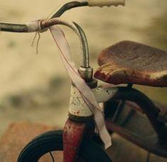 Vintage bicycle, http://blondiensc.typepad.com/blondie_n_san_clemente/2009/04/vintage-bikes.html