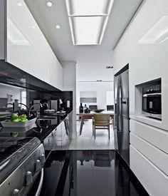 12 Cozinhas decoradas de preto e branco - veja modelos lindos e dicas de como decorar!
