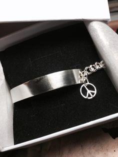 [Master peace chain half bangle]