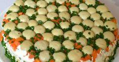 Efektowna warstwowa sałatka, która ozdobi niejeden stół. Trochę pracochłonna, ale efekt wynagrodzi pracę. Jeśli chodzi o smak to wg m... Zucchini, Food And Drink, Salad, Vegetables, Salads, Vegetable Recipes, Lettuce, Veggies
