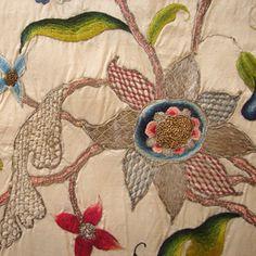 Maria Niforos - Fine Antique Lace, Linens & Textiles : Early Items