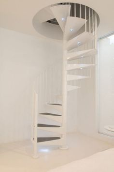 White Stairs Designa t Modern House Small Terrace Design in Australia Spiral Staircase, Staircase Design, Small Staircase, Minimalist House Design, Minimalist Kitchen, Small Terrace, Terrace Design, Interior Stairs, House Stairs