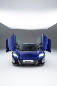 Une chauve-souris ? Non la McLaren #650S !