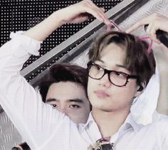 kitty jongin is so cute with squishy at the back...