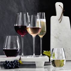 Williams Sonoma offers a sophisticated collection of tableware, barware and glassware. Find casual, formal and classic dinnerware for any occasion.