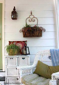 simple yet effective decorative porch amenities