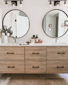 Warm up your ensuite bathroom with a wood vanity and marble tiles | modern bathroom style | Bathroom Kids, Bathroom Renos, Modern Bathroom, Master Bathroom, Bathrooms, Casual Mom Style, Wood Vanity, Marble Tiles, Bathroom Inspiration