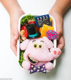 Budding bento artists: Ms Ming's blog is a brilliant how-to for aspiring bento artists...