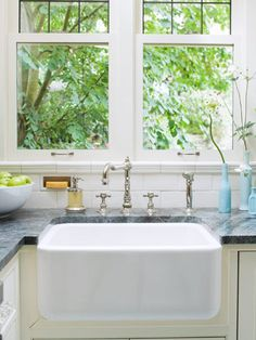 I want this farm sink and Antique-look faucet!